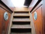 Zicht op de trap met toegang tot het dek